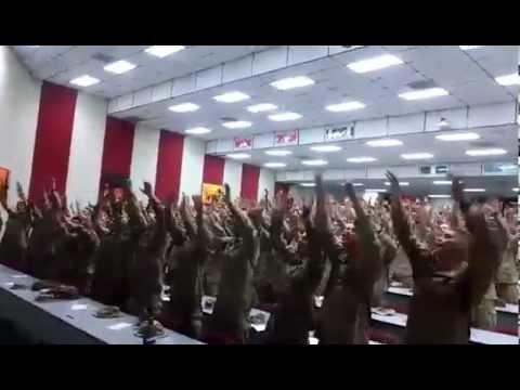 """Marines estadounidenses Sorprenden cantando """"Días de Elías"""" en tiempos difíciles"""